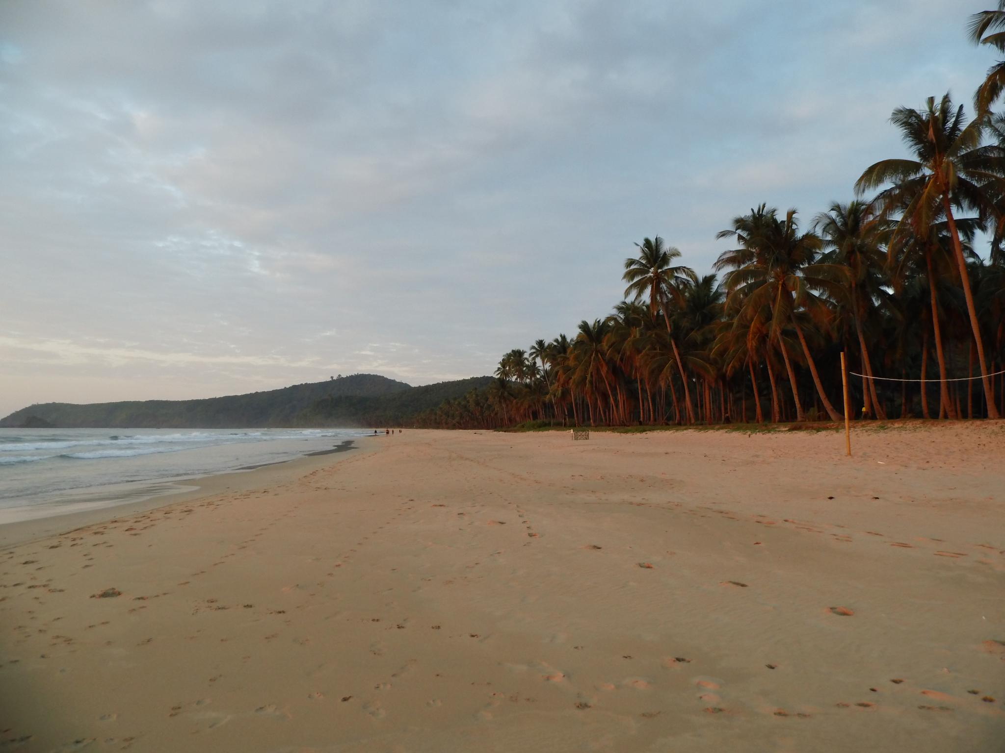 Die Welte in 50 Worten,Nacpan Beach