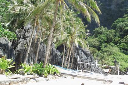 Einsamr Strand in El Nido, Philippinen schnorcheln