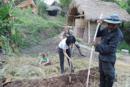 Sahai Nan, Gartenarbeit