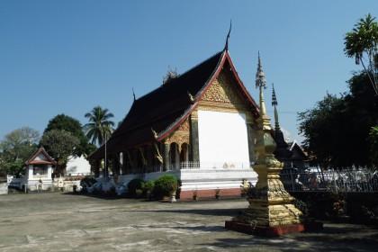 Luang Prabang und einer der über 40 Tempeln