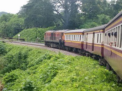 Mit dem Zug durch Thailand